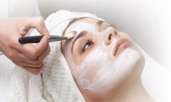 Атравматическая чистка лица: доступный и максимально щадящий пилинг