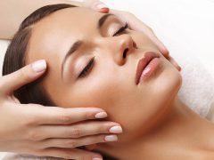 Классический массаж лица: легкая техника омоложения лица