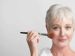 Возрастной макияж: порядок нанесения и его особенности