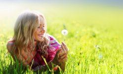 Особенности ухода за лицом летом: как ухаживать, какие средства применять