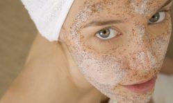 Расширенные поры на лице: почему возникают, как очищать забитые поры