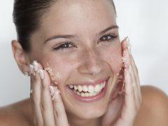 Отшелушивающие маски для лица: очищение клеточного слоя