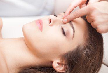 Точечный массаж лица для омоложения: улучшение обменных процессов