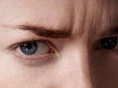 Как избавиться от морщин на переносице: эффективные методы